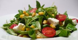 Salata od motivilca sa feta sirom